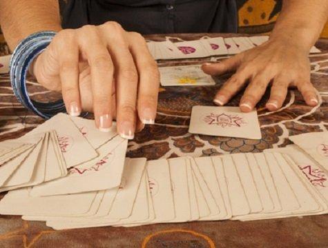 Cartomancie gratuite immédiate sèrieuse et tirage de tarot Denis lapierre gratuit et fiable sur Internet